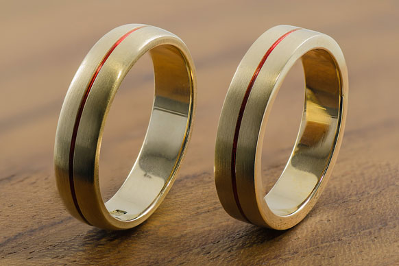 inlaid gold rings